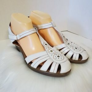 Easy Spirit Sandals.
